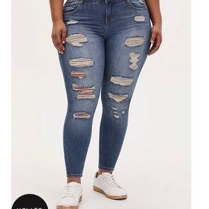 Torrid premium bombshell skinny jeans size 22